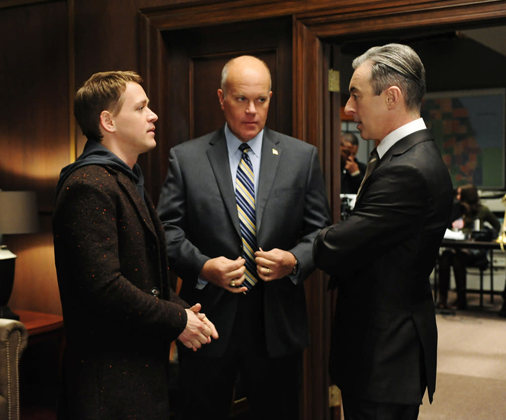 """Boom De Yah Da"" - Democratic strategist Frank Landau (Mike Pniewski, center) forces Eli (Alan Cumming, right) to work with Jordan Karahalios (T.R. Knight, left) a savvy campaign manager, on ""The Good Wife."""