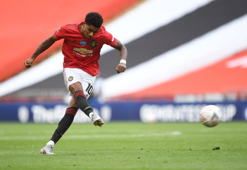 Young fan thanks Manchester United's Rashford for charity work