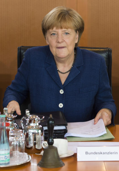 Angela Merkel attends a weekly meeting of the German cabinet at the chancellery in Berlin on July 9, 2014 (AFP Photo/John Macdougall)