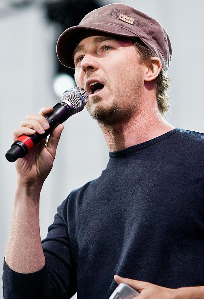 WASHINGTON - APRIL 20:  Actor and environmental activist Edward Norton addresses the crowd at the Green Apple Festival concert for Earth Day on the National Mall in Washington, April 20, 2008.  (Photo by Paul Morigi/WireImage)