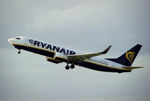 Ryanair profits rise, confirms Aer Lingus takeover plan