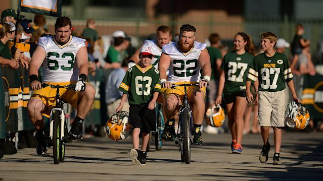 Texans to join Packers' tradition of players riding kids' bikes to training camp practice