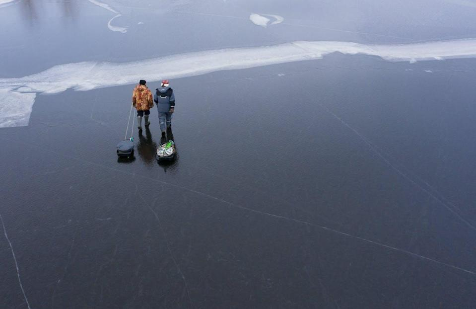 """<span class=""""caption"""">Winter drowning rates are highest in countries with strong ice-fishing cultures and temperatures that hover near freezing.</span> <span class=""""attribution""""><span class=""""source"""">(Shutterstock)</span></span>"""