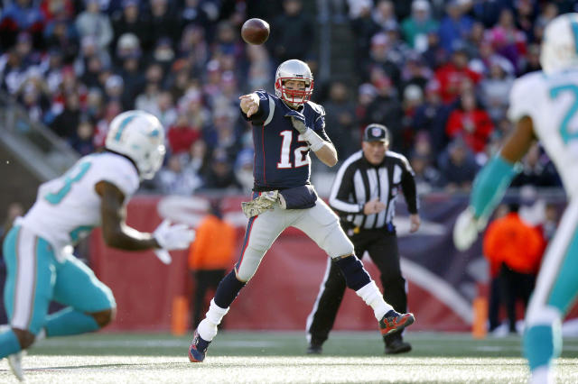 "The Dolphins can get an early grip on the AFC East with a win against <a class=""link rapid-noclick-resp"" href=""/nfl/players/5228/"" data-ylk=""slk:Tom Brady"">Tom Brady</a> in New England on Sunday. (AP)"