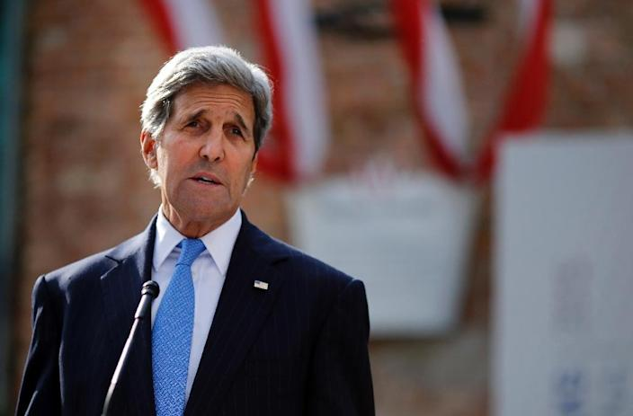 US Secretary of State John Kerry pictured outside the hotel where the Iran nuclear talks meetings were held in Vienna on July 1, 2015 (AFP Photo/Carlos Barria)