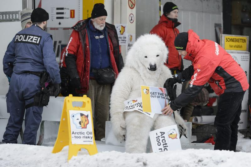 Activists shut down Shell station at Davos