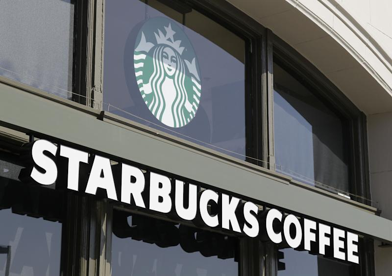 Starbucks cuts suggested price of bagged coffee