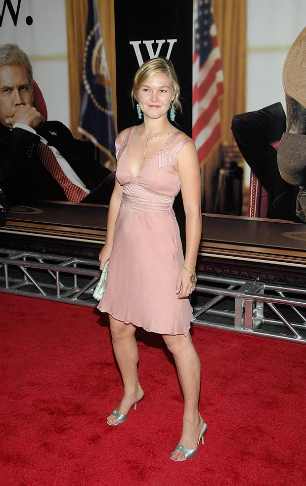"<a href=""http://movies.yahoo.com/movie/contributor/1800018555"">Julia Stiles</a> at the New York premiere of <a href=""http://movies.yahoo.com/movie/1810026489/info"">W.</a> - 10/14/2008"