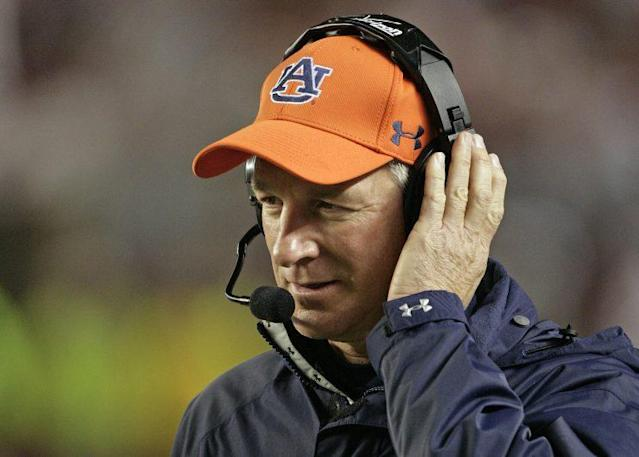 Tommy Tuberville has a way to unite Auburn and Alabama fans if he runs for office. (AP)
