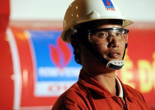 Vietnam signs $9-billion oil refinery deal