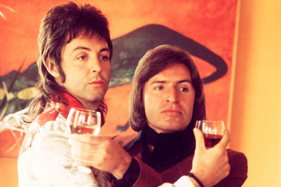<p>With his brother Mike in London in 1974.</p>