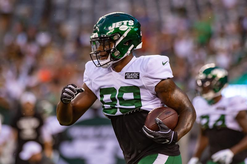 EAST RUTHERFORD, NJ - AUGUST 18: New York Jets tight end Chris Herndon (89) in action during the New York Jets Green and White Scrimmage on August 18, 2019 at MetLife Stadium in East Rutherford, NJ (Photo by John Jones/Icon Sportswire via Getty Images)