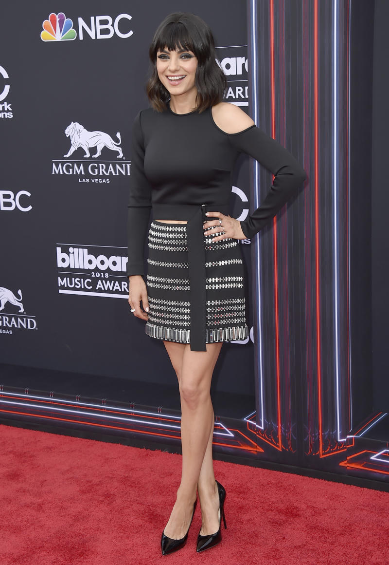 Rock-Chic zur neuen Frisur: Mila Kunis bei den Billboard Music Awards