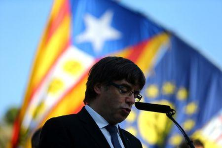 Catalonia: Spain's top court rules referendum illegal as Catalan leaders double down
