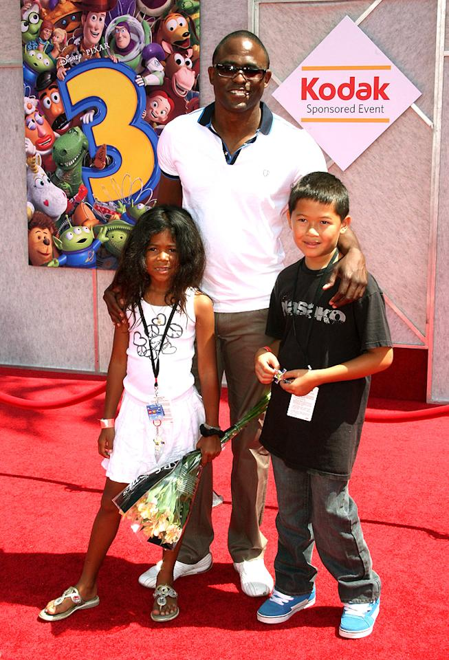"<a href=""http://movies.yahoo.com/movie/contributor/1804503410"">Wayne Brady</a> at the Los Angeles premiere of <a href=""http://movies.yahoo.com/movie/1809266566/info"">Toy Story 3</a> - 06/13/2010"