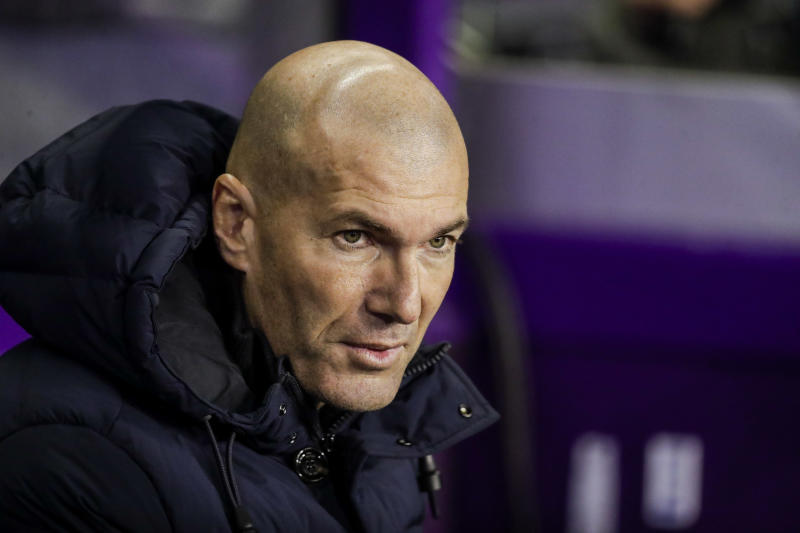 VALLADOLID, SPAIN - JANUARY 26: coach Zinedine Zidane of Real Madrid during the La Liga Santander match between Real Valladolid v Real Madrid at the Stadium Jose Zorrilla on January 26, 2020 in Valladolid Spain (Photo by David S. Bustamante/Soccrates/Getty Images)