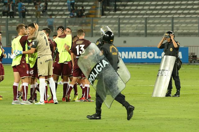 Soccer Football - Peru's Sporting Cristal v Argentina's Lanus - Copa Sudamericana - Nacional Stadium, Lima, Peru - March 7, 2018. Players of Lanus celebrate at the end of the game. REUTERS/Mariana Bazo