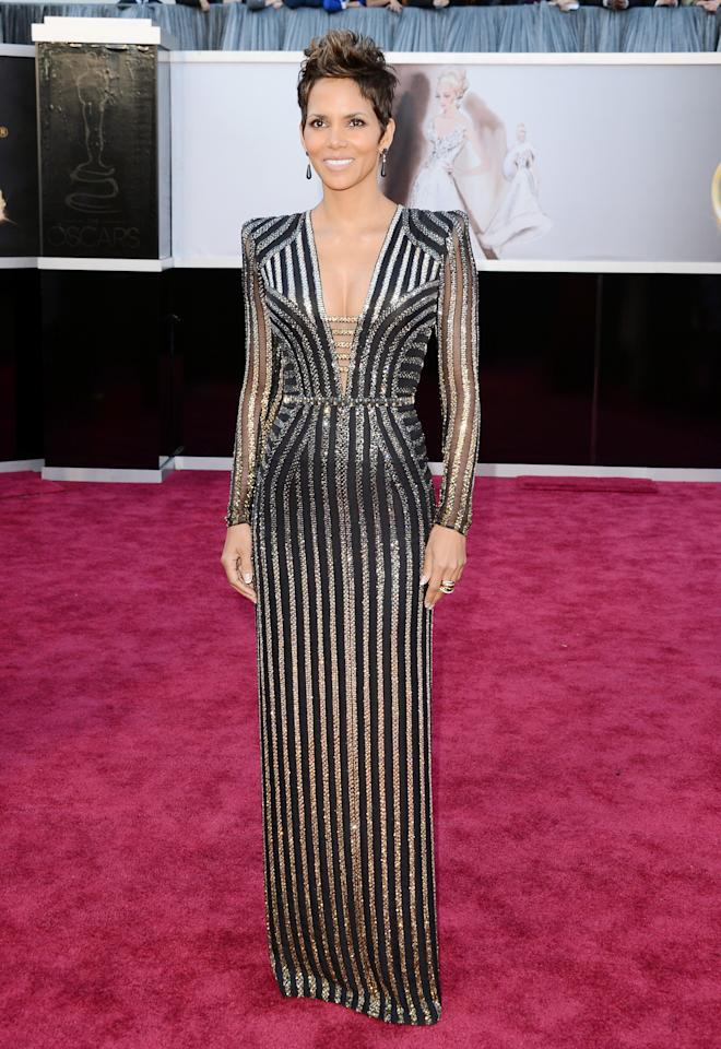 Halle Berry wore this structured Atelier Versace gown to the Oscars.