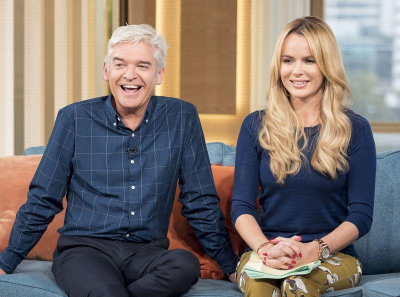 Phillip Schofield and Amanda Holden hosting This Morning together in 2015 (Credit: ITV/Shutterstock)