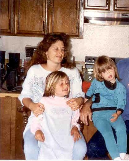 Alissa, Sarah and their mother, Barbara. (Contributed by the Turney family)