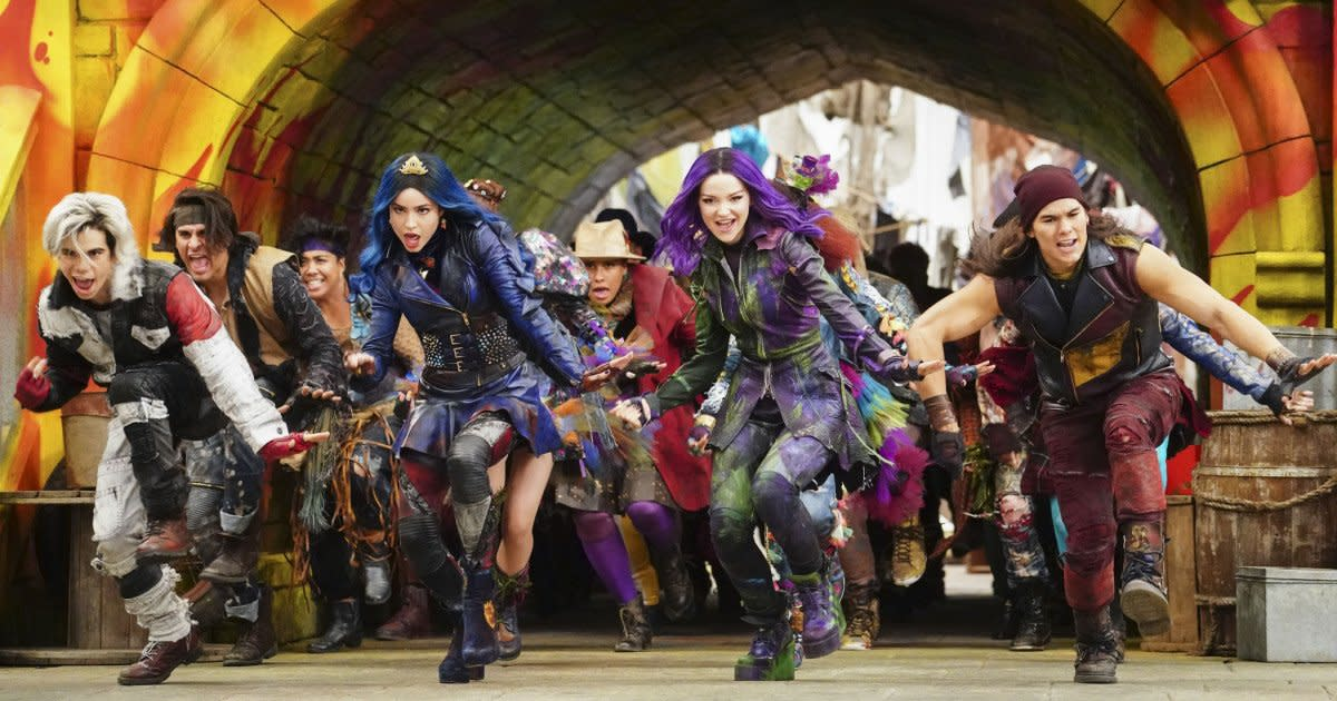 See the 'Descendants 3' cast in new music video, and find
