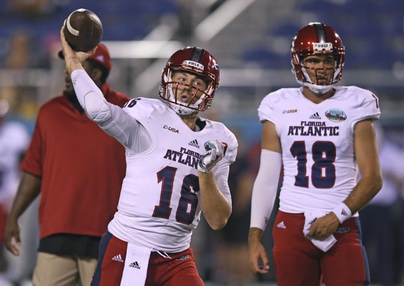 FAU Starting Quarterback Announces Retirement With Eligibility Left