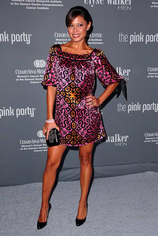 "Nick Lachey's main squeeze Vanessa Minnillo is perfect in this patterned pink frock and sexy black heels. Steve Granitz/<a href=""http://www.wireimage.com"" target=""new"">WireImage.com</a> - September 13, 2008"