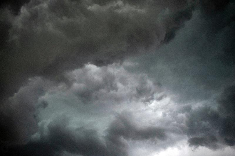 A thunderstorm that coincided with a high pollen count in Australia's Victoria state last week sent more than 8,500 people suffering from asthma and hay fever to hospital emergency departments