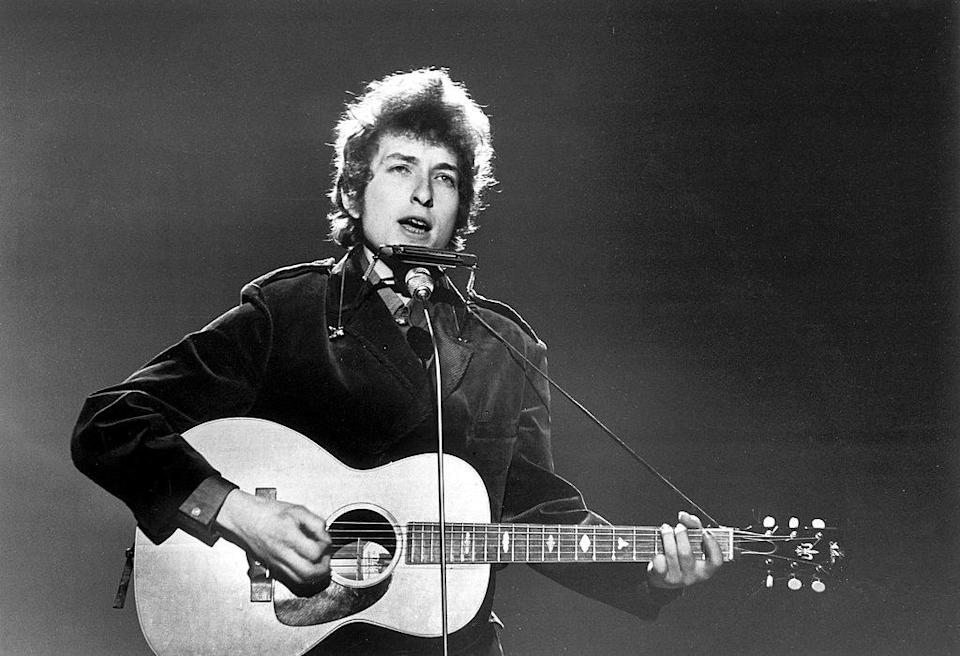 Bob Dylan Performs for the BBC