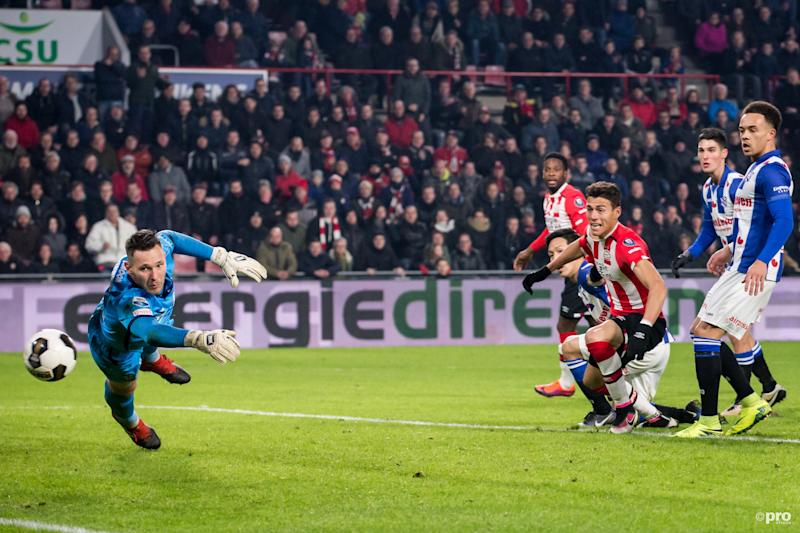 01b60d7a1 Mexico defender Hector Moreno scores winning goal for PSV