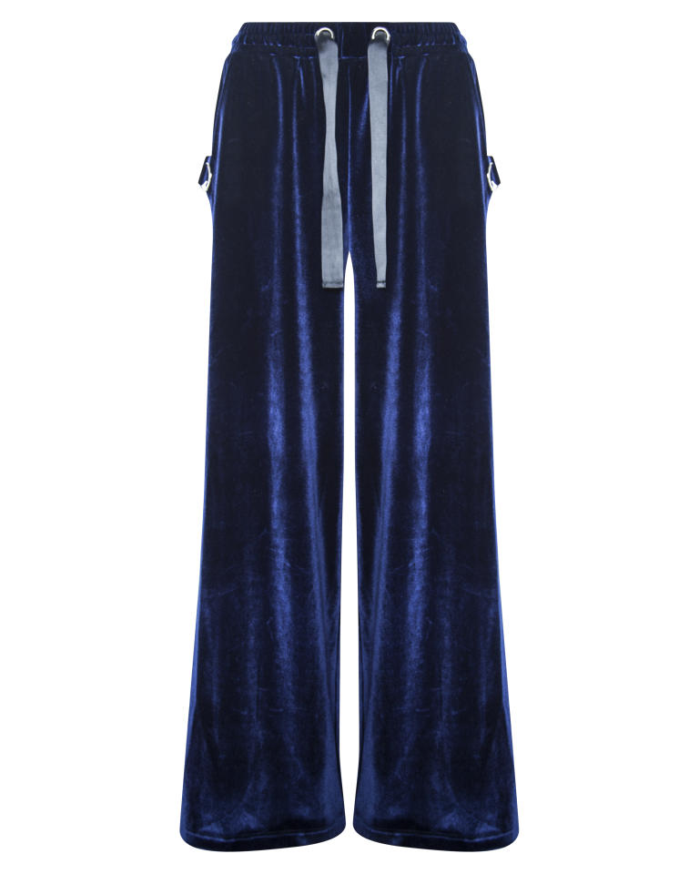 """Joggers, $63; at <a rel=""""nofollow"""" href=""""https://www.missguidedus.com/londunn-missguided-navy-velour-joggers"""">Missguided</a>"""