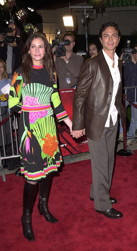 """3. <a href=""""http://movies.yahoo.com/movie/1800421133/info"""">Red Planet</a> LA premiere (2000)   The only thing Julia got right at the """"Red Planet"""" premiere: accessorizing with former boyfriend, hottie Benjamin Bratt."""