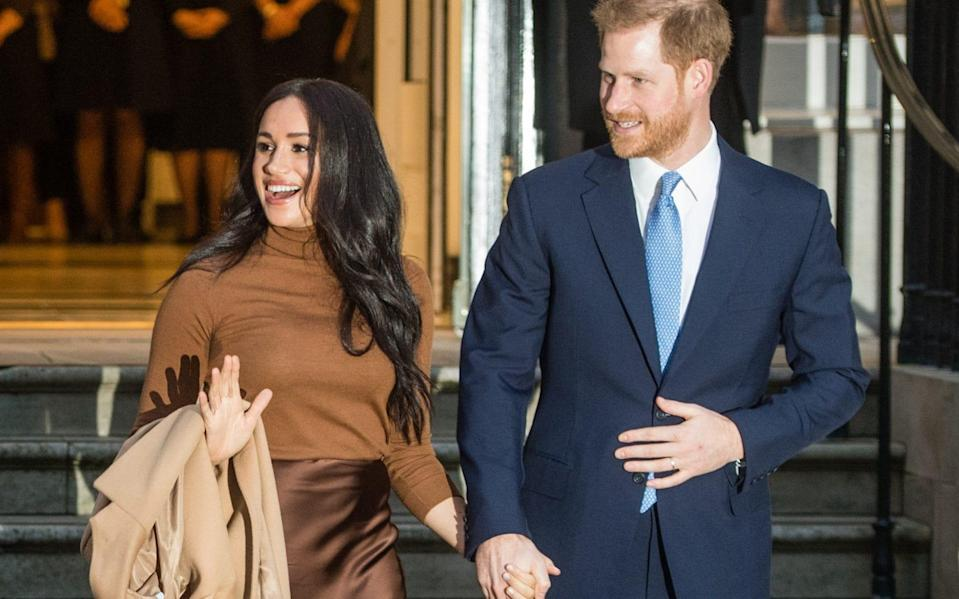 In spite of her constant exclusion by the Royal Family – unlike Meghan who was warmly welcomed – Wallis kept her agonies private