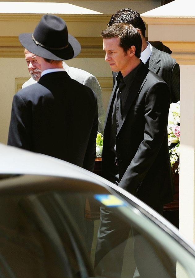 Michael (left) and Rove were pallbearers at Belinda's 2006 funeral. Source: Getty