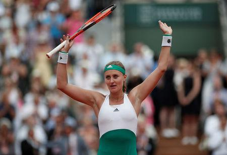 Mladenovic dethrones Muguruza in Paris