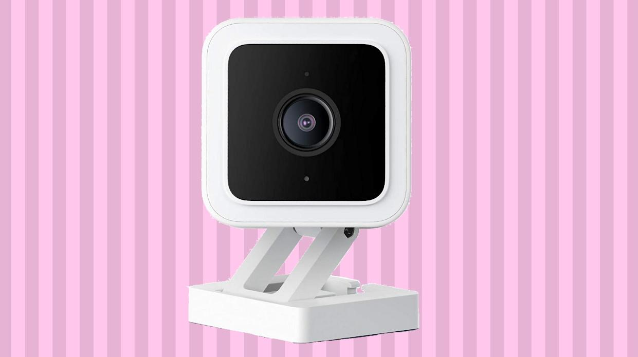 Shoppers say this $30 cam is just as good as (way) pricier models. (Photo: Amazon)