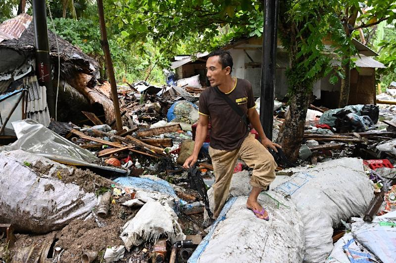 Rescue teams are ramping up a desperate search for survivors after a volcano-triggered tsunami slammed into beaches around Indonesia's Sunda Strait (AFP Photo/ADEK BERRY)