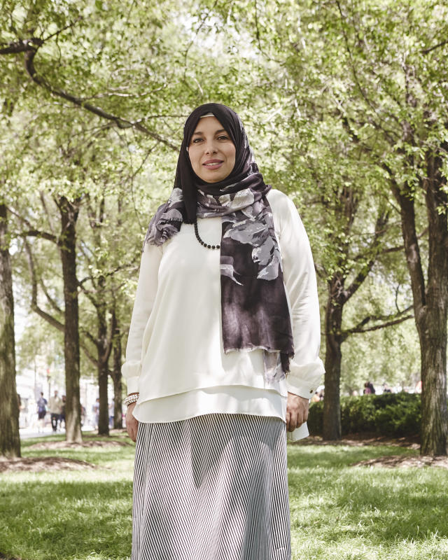 <p><b>In what ways does your faith influence your fashion choices? </b> Faith blends into my fashion as I try to incorporate scarves, shawls, and skirts that are somewhat on the looser side, and also carry designs and patterns found throughout the Muslim world.<br>(Photo: Jamie Berg for Yahoo Lifestyle) </p>