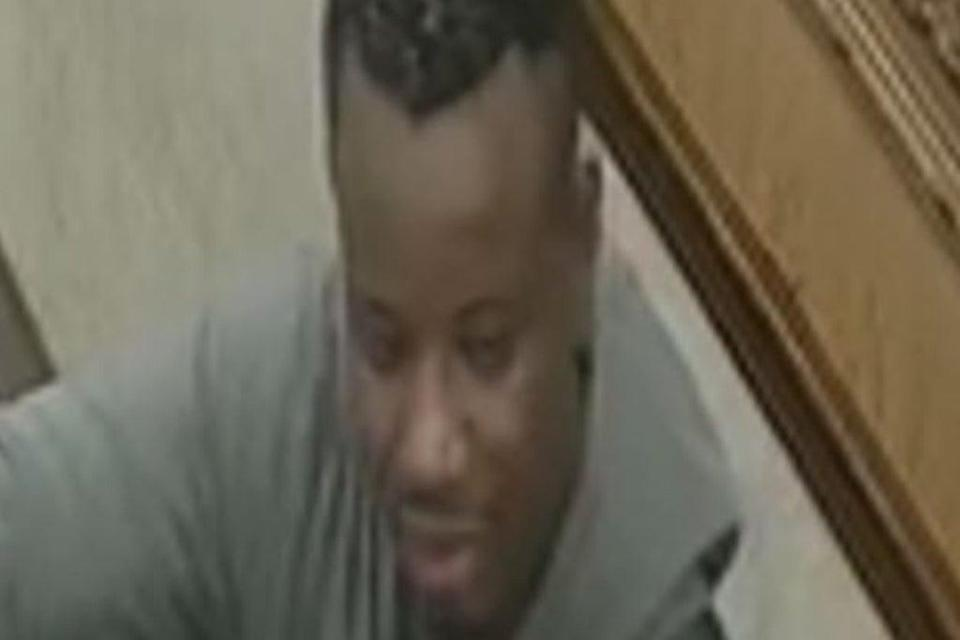 Police would like to trace this man  (Met Police)