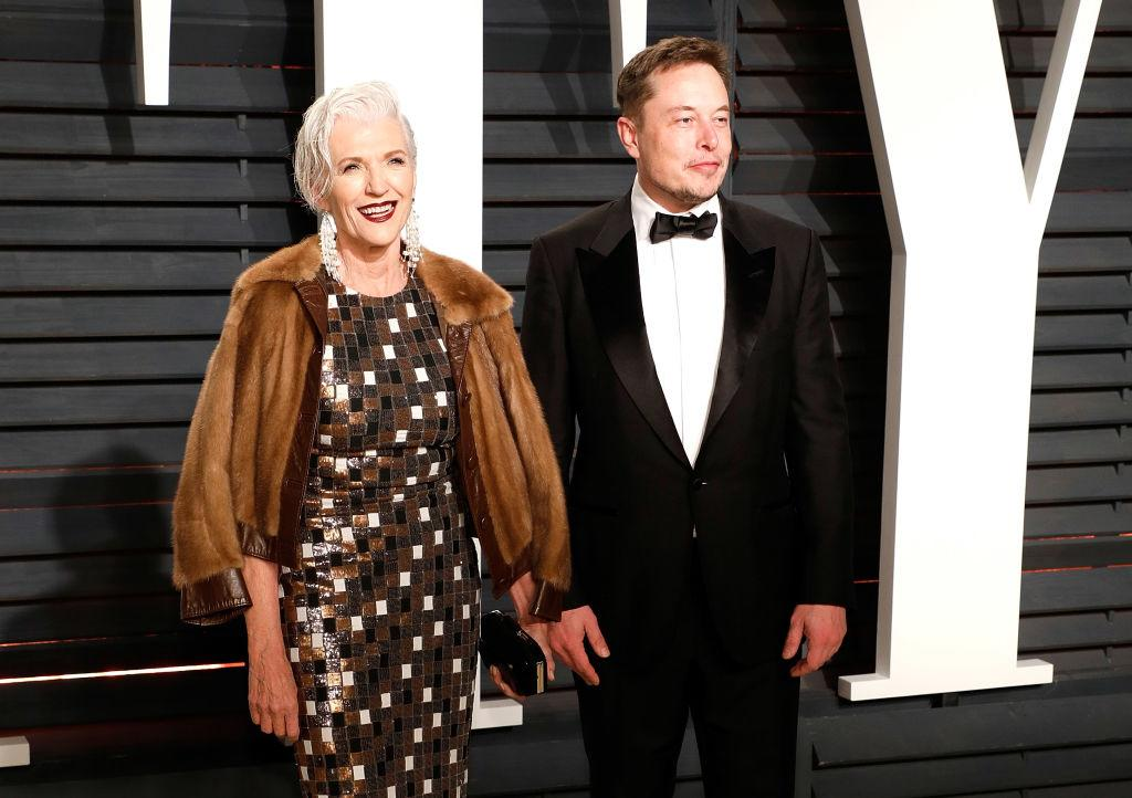 <p>Space X CEO Elon Musk made an appearance at the Vanity Fair Oscar After-Party and was accompanied by his stylish model mom Maye who wore a geometric dress under a fur jacket. </p>