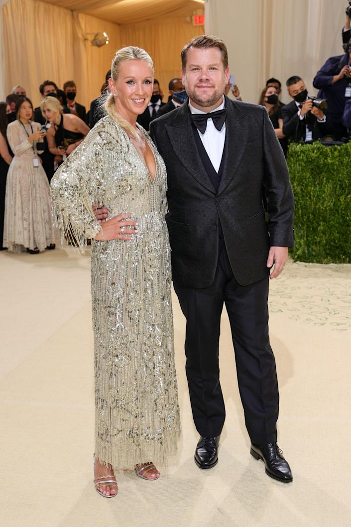 """<h1 class=""""title"""">Julia Carey and James Corden in Gucci</h1><cite class=""""credit"""">Photo: Getty Images</cite>"""