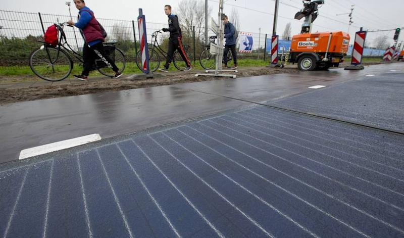 France Is Using Almost 600 Miles of Roads to Generate Renewable Energy