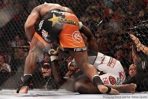 Alistair Overeem defended his Strikeforce belt, TKO'ing Brett Rogers in the first round