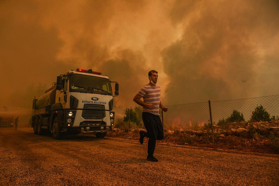 APTOPIX Turkey Wildfire (Copyright 2021 The Associated Press. All rights reserved)