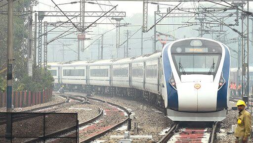 Indian Railways Planning Vande Bharat-Type Trains From Mumbai To Pune, Nashik and Baroda, Trial Runs to Begin Next Week