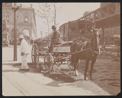 A lunch wagon, on New York's Herald Square in 1899 - Credit: getty
