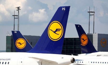 Lufthansa sees Air Berlin deal lifting results in 2019