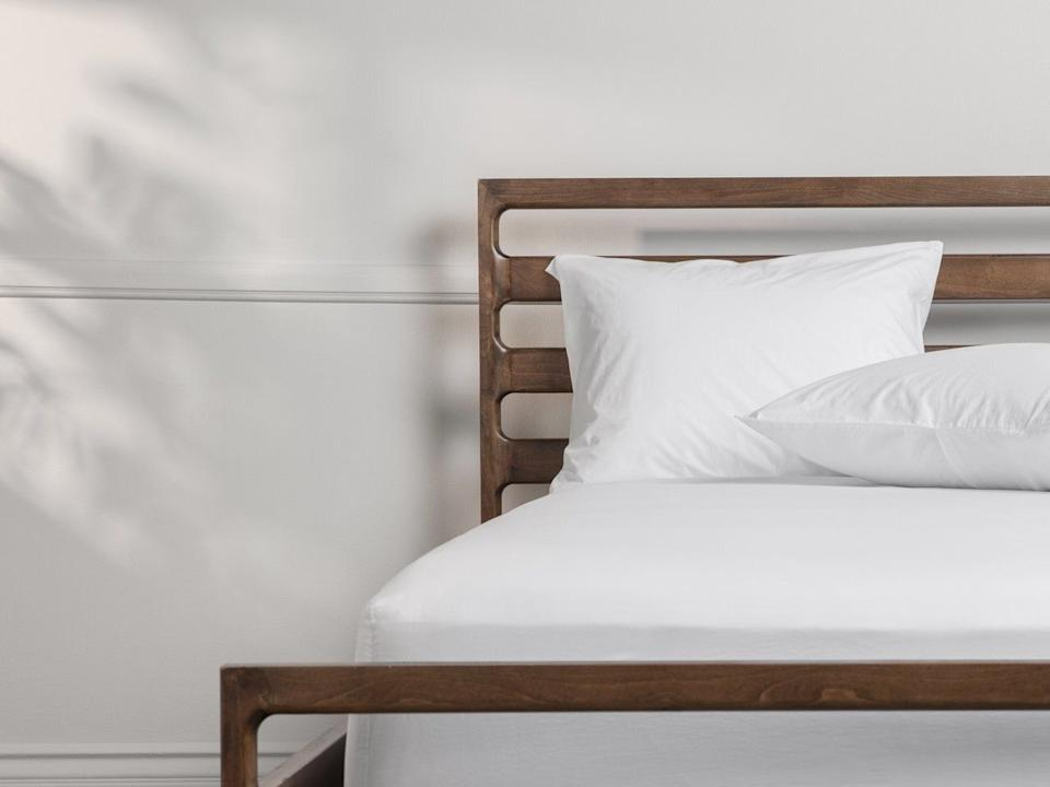 """The set includes a fitted sheet and two pillowcases. You can choose between adding a top sheet or not. <a href=""""https://fave.co/36Jgept"""" target=""""_blank"""" rel=""""noopener noreferrer"""">Originally $249, get the queen-size set with a top sheet now for 20% off at Parachute</a>."""