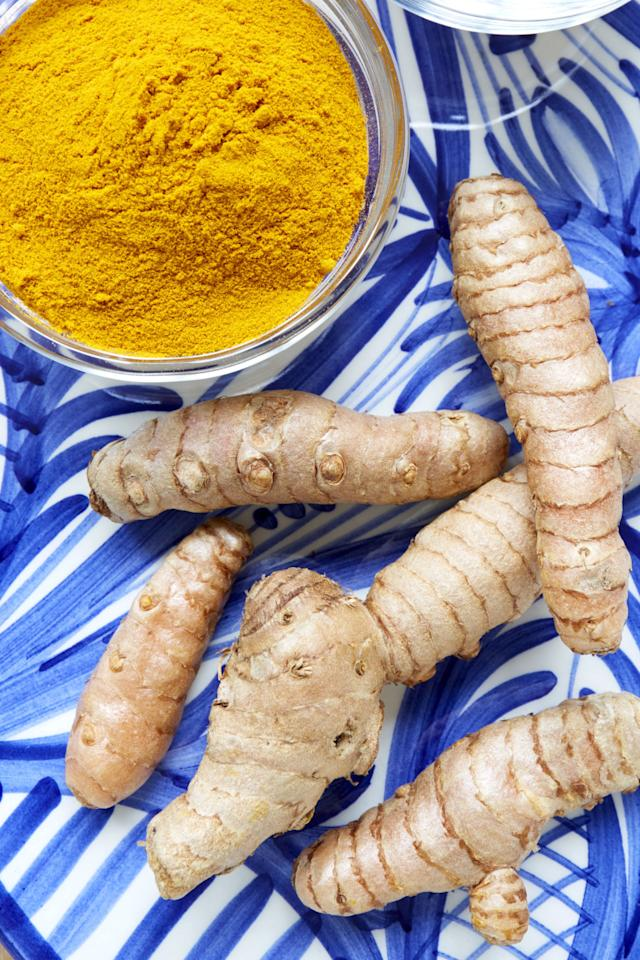 "<p>This <a rel=""nofollow"" href=""http://www.drozthegoodlife.com/healthy-food-nutrition/healthy-recipe-ideas/tips/g675/how-to-eat-turmeric/"">bright-orange spice</a> offers a peppery, warm, and bitter flavor and has also been valued for its medicinal properties for centuries. ""Turmeric has been shown to reduce triglyceride levels, boost fat-burning, keep blood sugar steady, and fight <a rel=""nofollow"" href=""http://www.drozthegoodlife.com/health-articles/health-conditions/a195/the-good-life-report-inflammation/"">inflammation</a> in the body,"" DiSpirito says.</p><p>A small <a rel=""nofollow"" href=""http://jn.nutrition.org/content/141/8/1451"">June 2011 study</a> found that adding particular spices like turmeric to your diet can reduce the body's negative response to eating a high-fat meal, ultimately lessening your risk of heart disease. Researchers also believe its antioxidant properties may play a role in reducing oxidative stress, which is a <a rel=""nofollow"" href=""http://www.drozthegoodlife.com/healthy-lifestyle/body/a566/doctors-talk-about-aging/"">contributing factor in aging</a> and chronic health conditions.</p>"