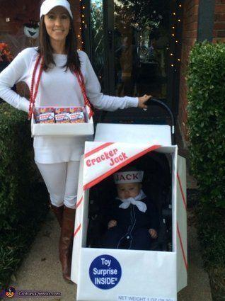 "Vía <a href=""http://www.costume-works.com/costumes_for_babies/cracker-jack-baby.html"" target=""_blank"">Costume-Works.com</a>"